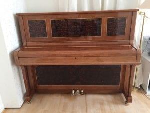 Nytt Rönisch piano